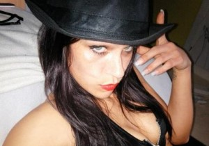 chat girl sara deluxxe